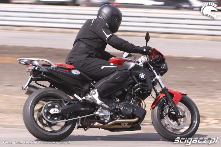 Yamaha MT-07 2014 vs  BMW F800R