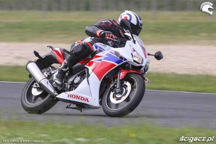 Nowa Honda CBR300R jazda
