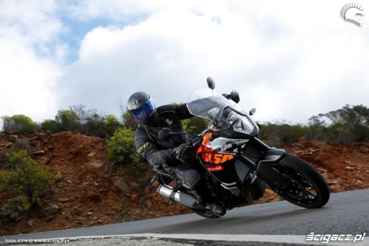 KTM 1050 Adventure zakrety