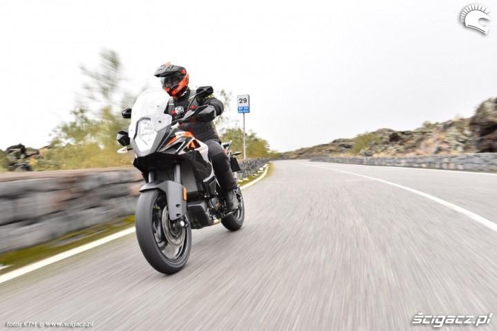 KTM 1090 Adventure tracking