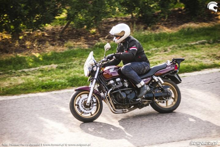 Honda CB750 Seven Fifty 34