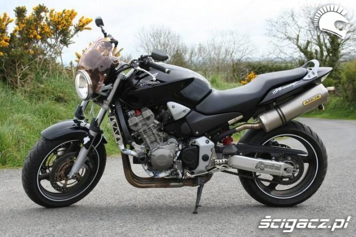 Honda Hornet 900 5