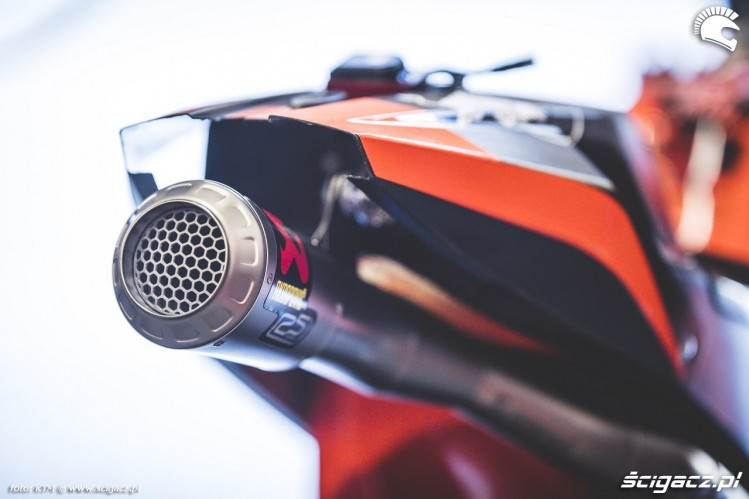 KTM RC16 Box Misano 2016