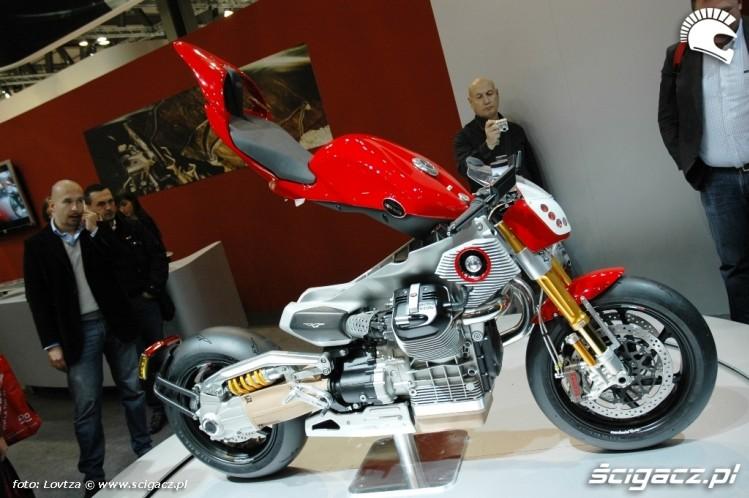 zdj cia moto guzzi concept eicma mediolan 2009 motocyklem na safari. Black Bedroom Furniture Sets. Home Design Ideas