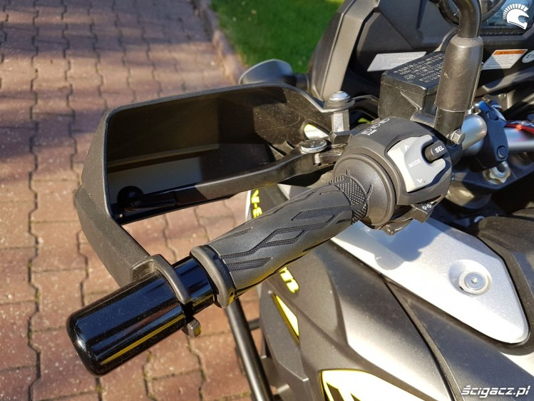 Suzuki V Strom 1000 2017 handguard