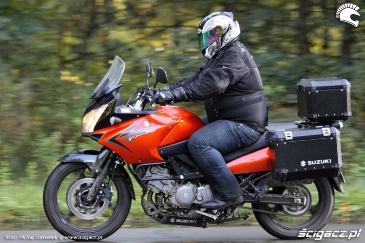 lewy bok Suzuki DL650 test
