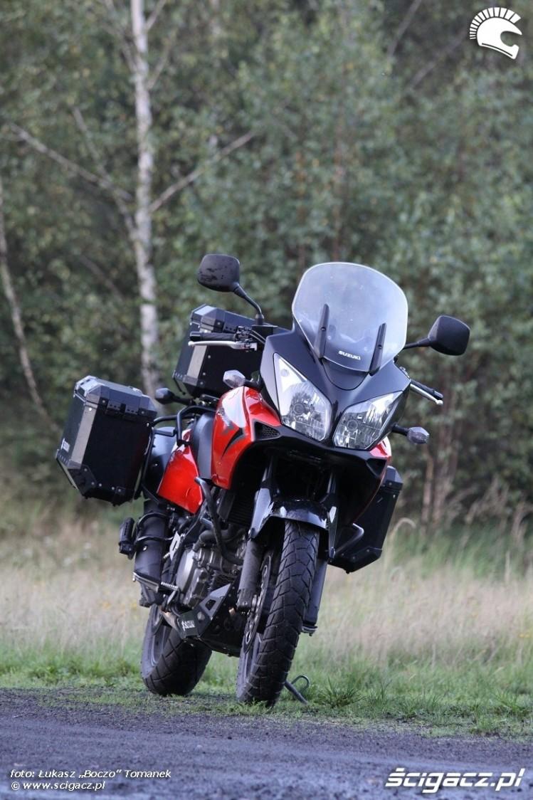 od przodu Suzuki DL650 test