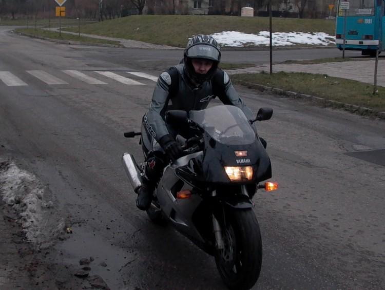 FZR 1000 w zimie