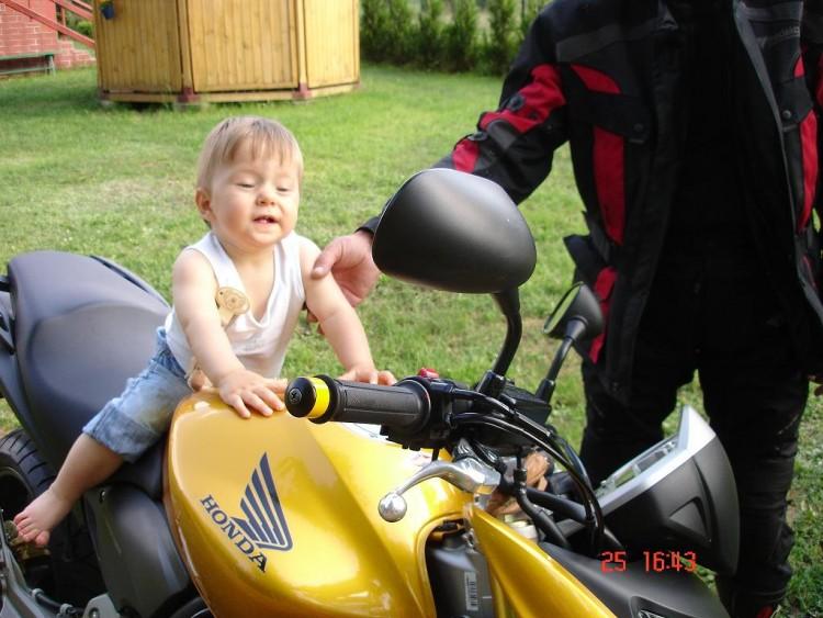 młody biker