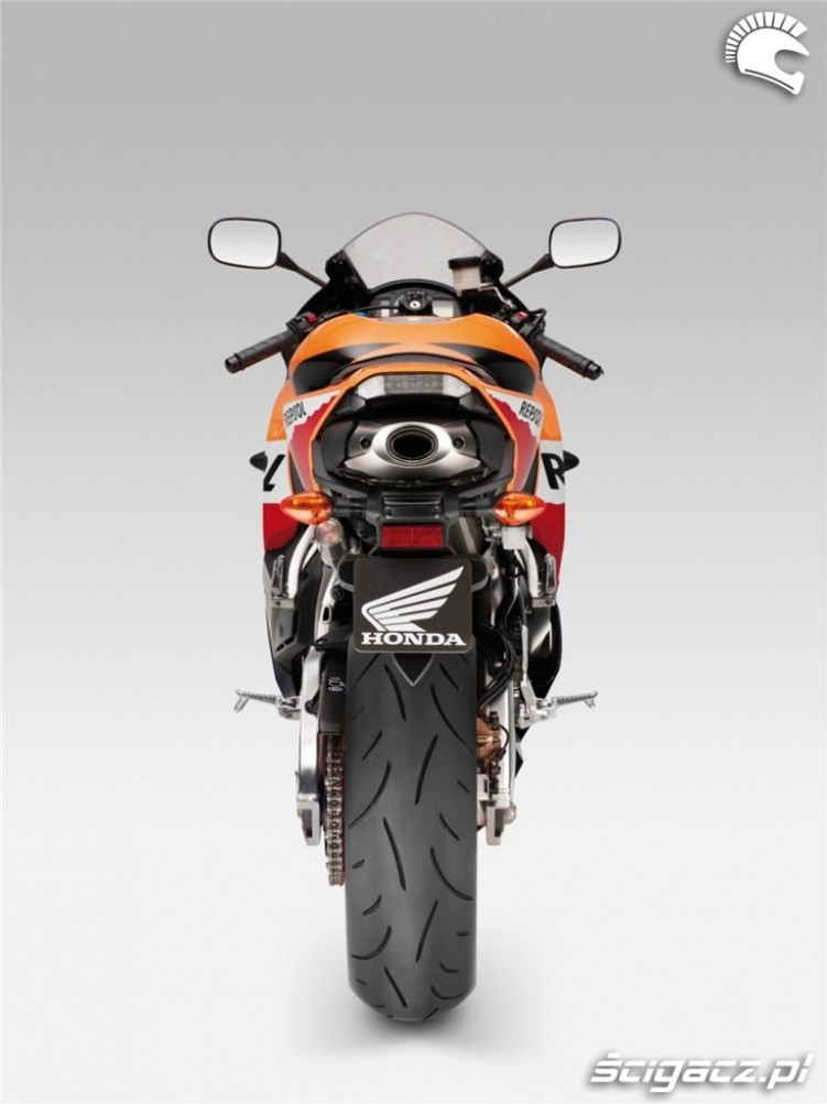 Honda CBR600RR 2013 tyl
