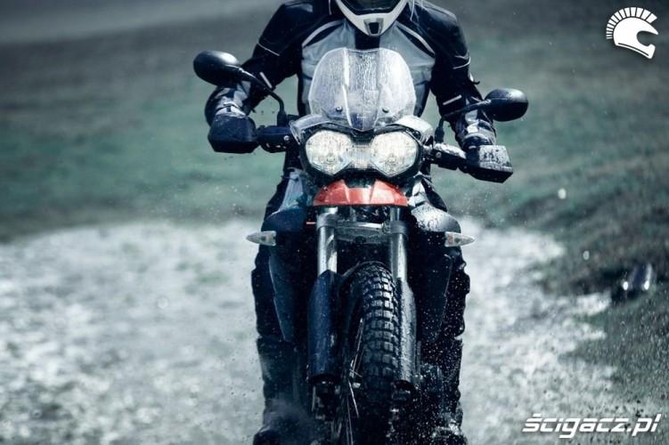 na kole Triumph Tiger 800 XC 2011