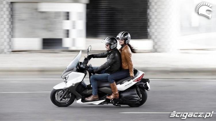 Yamaha X-MAX 400 we dwoje