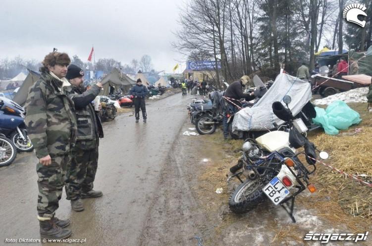 lezacy motocykl