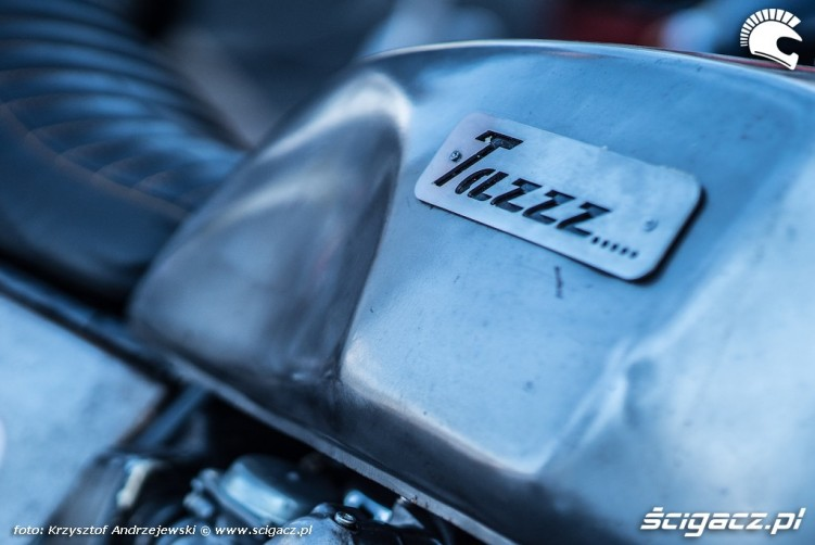 tazzz moto 2016