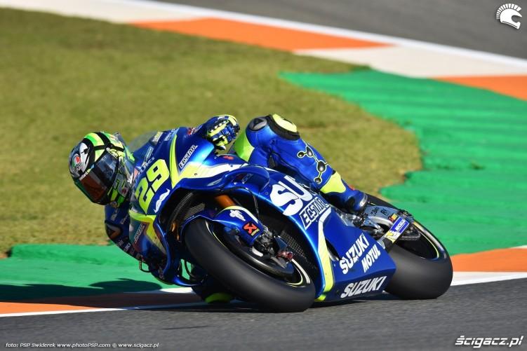 MotoGP Walencja 2017 29 Andrea Iannone Ecstar Suzuki 13