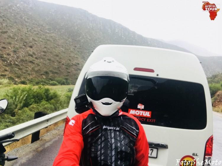 Motocyklami po Afryce z Motulem 10