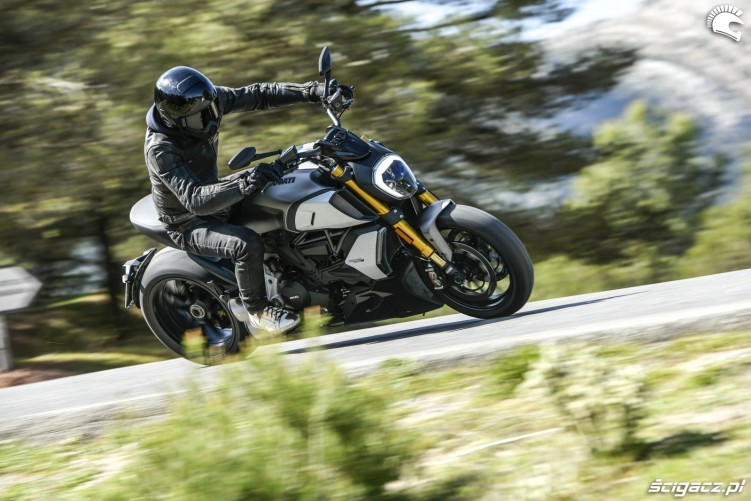 07 diabelski motocykl