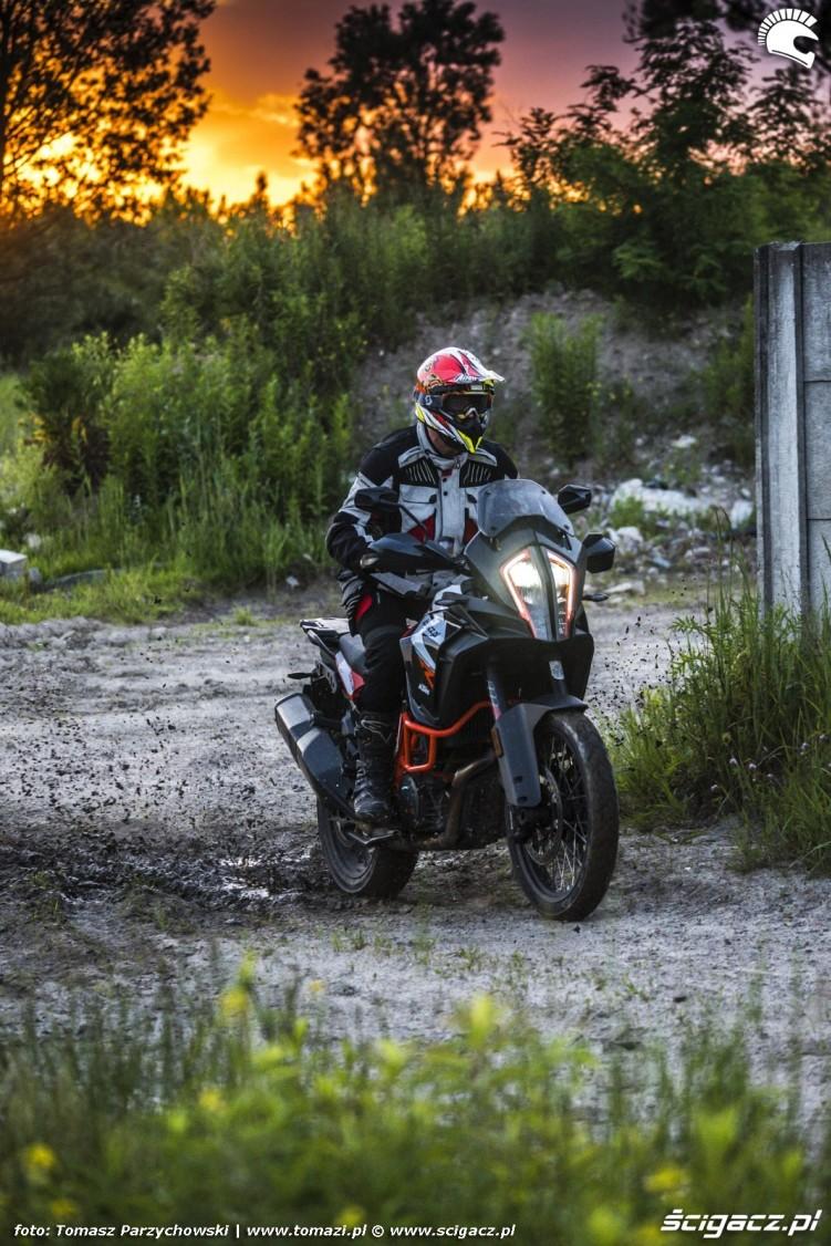 KTM Super Adventure R offroad 26