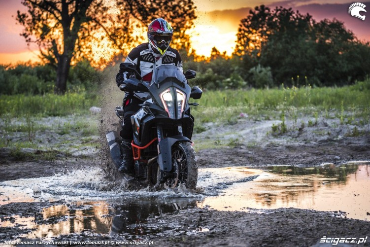 KTM Super Adventure R offroad 40