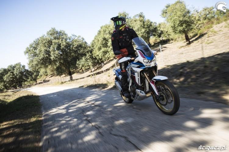 africa twin 1100 adventure sports na sycylii