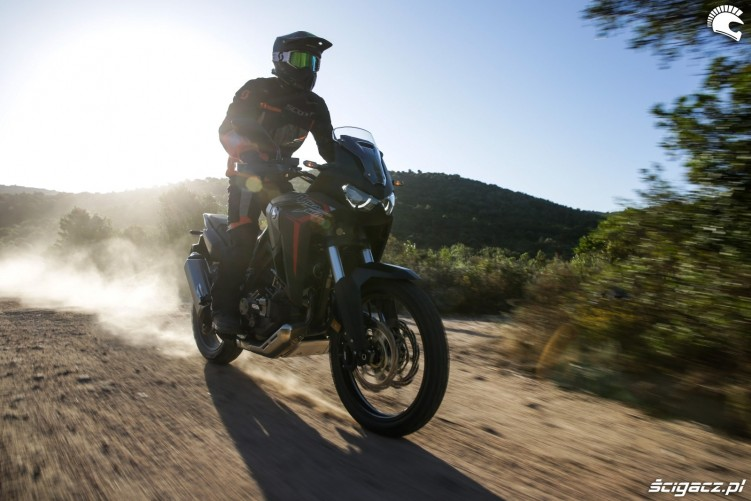 africa twin 1100 test