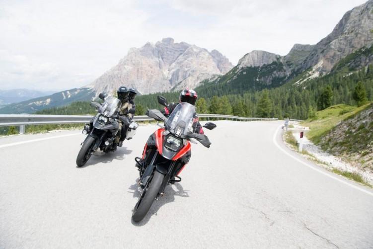 2020 Suzuki V Strom 1050 dwa motocykle