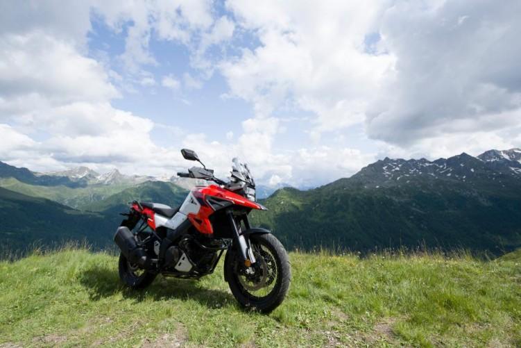 2020 Suzuki V Strom 1050 statyczne gory panorama