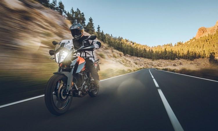 KTM 390 Adventure 2020 asfalt prosta