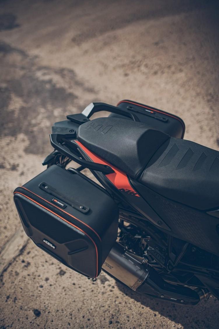 KTM 390 Adventure 2020 kanapa pasazera