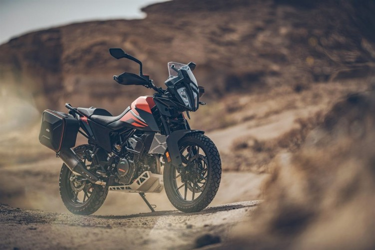 KTM 390 Adventure 2020 sam motocykl off