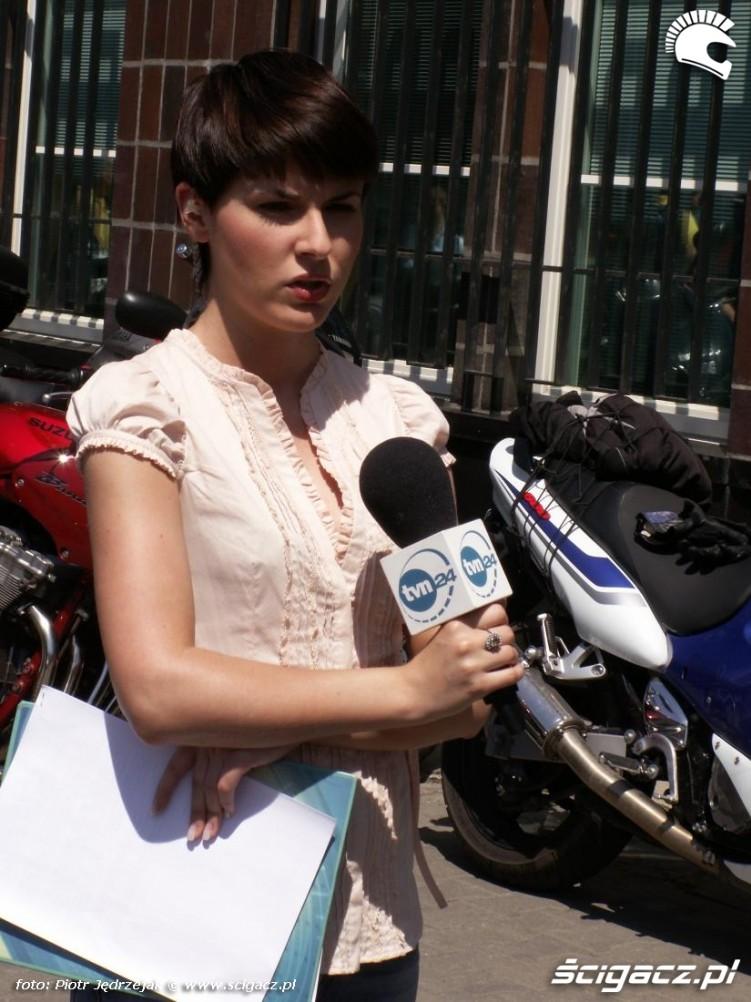 TVN24 pod ministerstwem motocykle protest przeciwko oplatom na autostradach