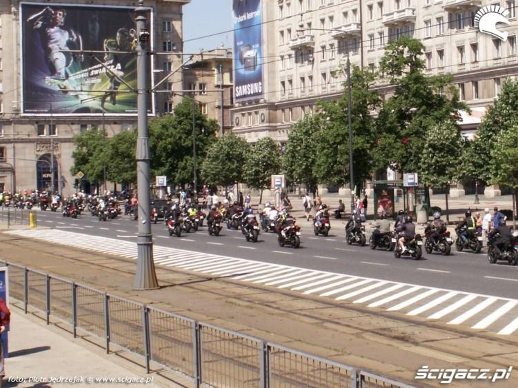 motocykle na marszalkowskiej protest przeciwko oplatom na autostradach