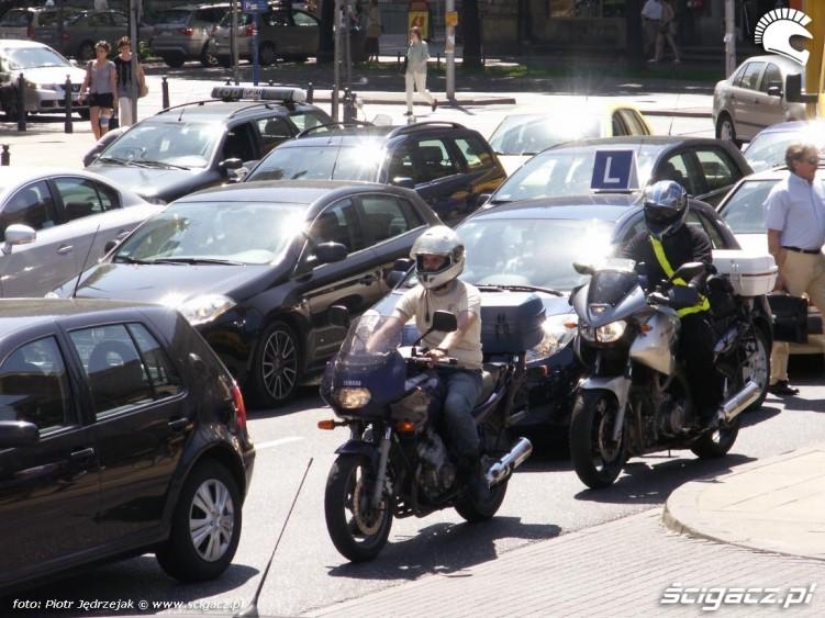 motocykle w korku protest przeciwko oplatom na autostradach