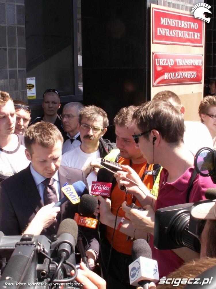rzecznik ministra grabarczyka protest przeciwko oplatom na autostradach
