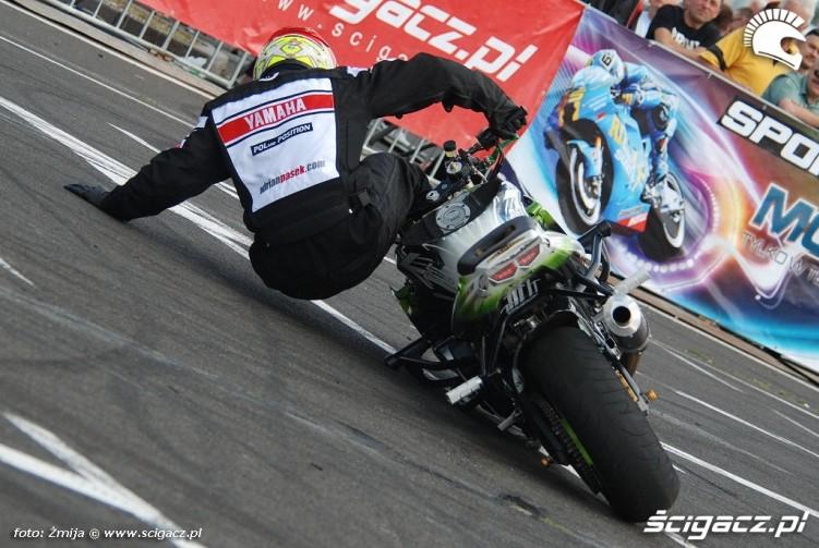 Adrian Pasek wywrotka na motocyklu