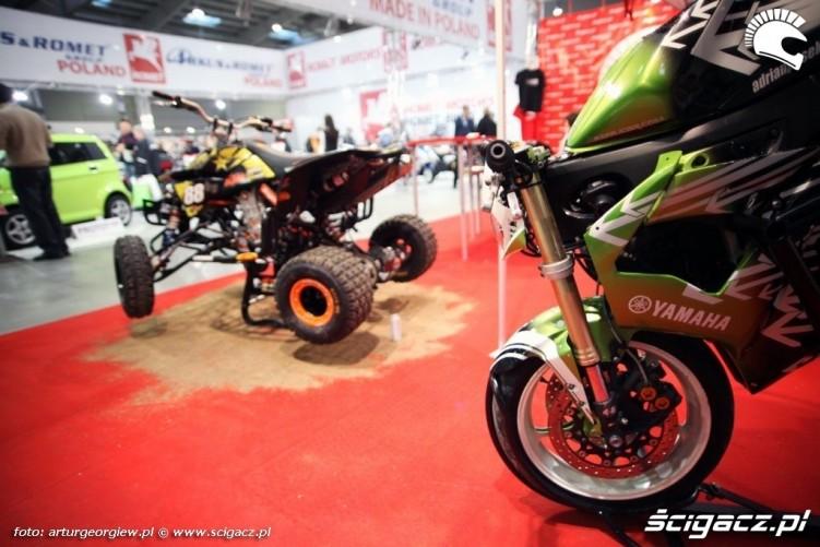 r6 stoppie pasio scigacz pl Targi Motocyklowe w Warszawie - III Ogolnopolska Wystawa Motocykli i Skuterow 2011