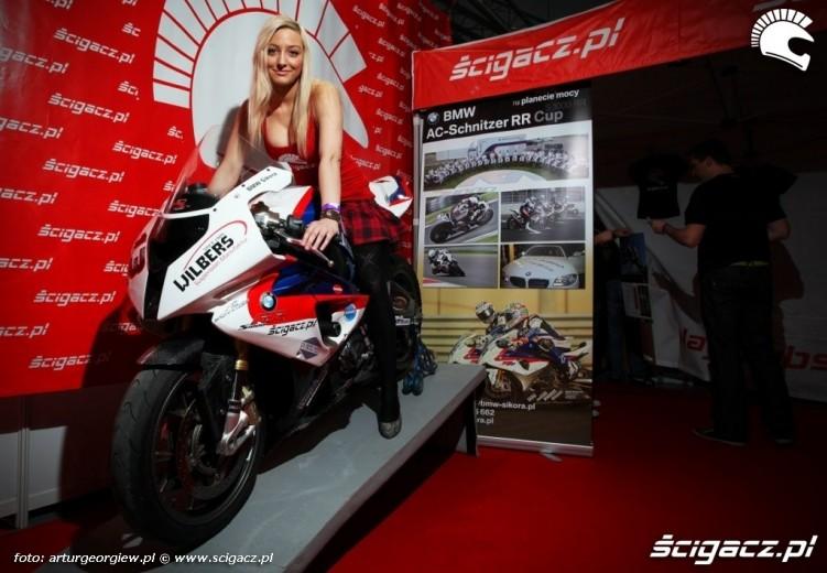 scigacz pl s1000rr Targi Motocyklowe w Warszawie - III Ogolnopolska Wystawa Motocykli i Skuterow 2011