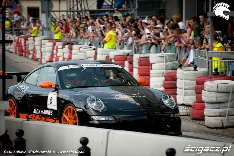 Porshe GT3RS Street Racing