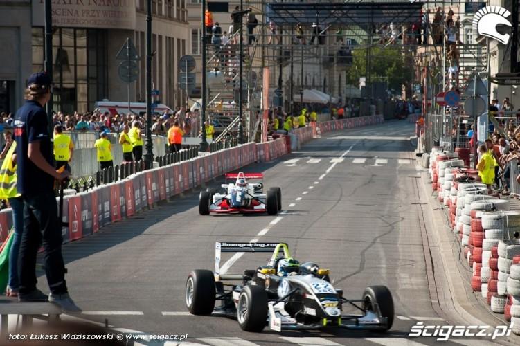Prawie jak formula F1 Street Racing