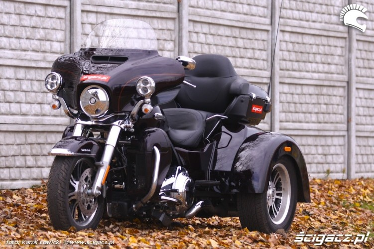 Harley-Davidson-Tri-Glide-Ultra-Classic 18988 1