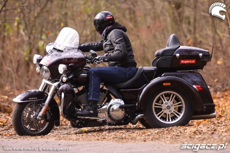 Harley-Davidson-Tri-Glide-Ultra-Classic 18988 2
