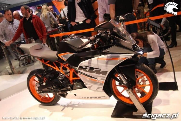 KTM-RC390 18980 1
