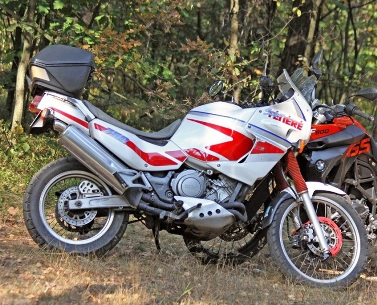 Yamaha-XTZ750-Super-Tenere 18791 1