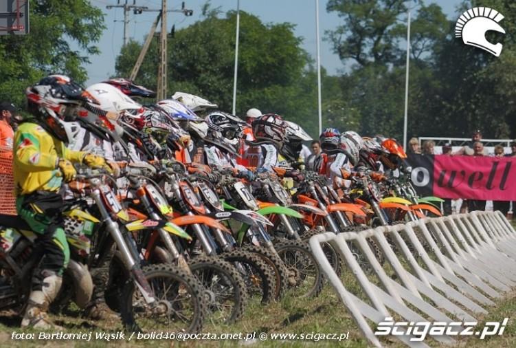 start klasy mx65 motocrossowe mistrzostwa polski strykow 2010