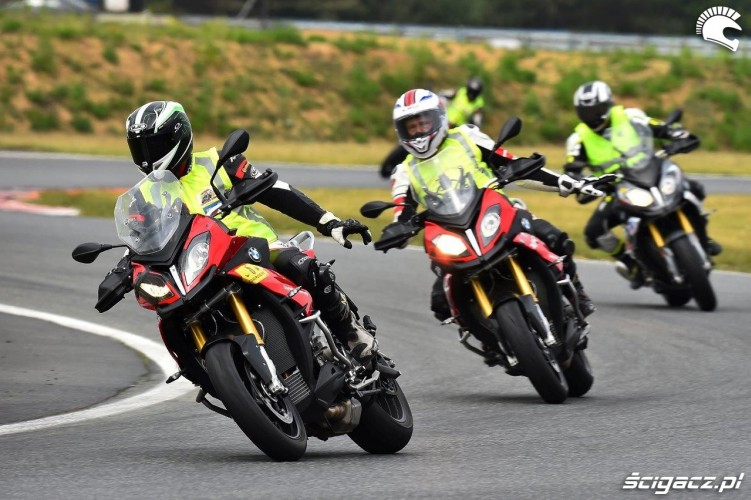 California Superbike School Poznan szkolenie wewnetrzne