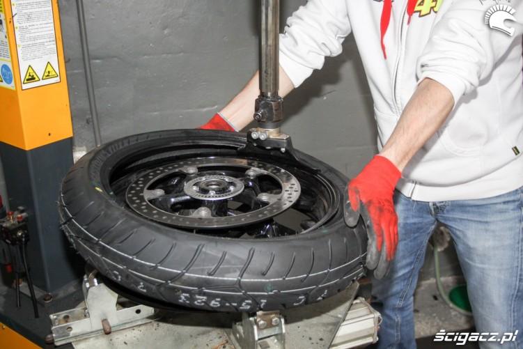 maszyna do zakladania opony Bridgestone T30 Scigacz pl