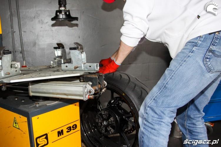 maszyna do zdejmowania opon Bridgestone T30 Scigacz pl