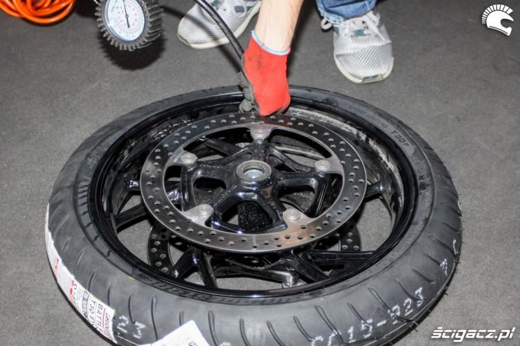 pomowanie kola Bridgestone T30 Scigacz pl
