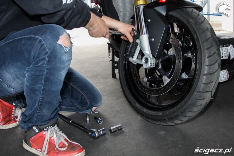 prawy zacisk Bridgestone T30 Scigacz pl