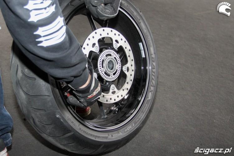wyjecie zaworka Bridgestone T30 Scigacz pl